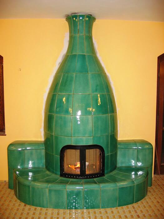 iparművész kályha  zöld váza.jpg